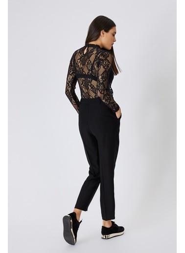 Gusto Plikaşeli D Tokalı Krep Pantolon - Siyah Plikaşeli D Tokalı Krep Pantolon - Siyah Siyah